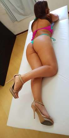 Novinha experiente e massagista profissional