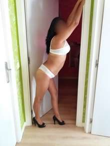 Latina morbosa sensual independiente