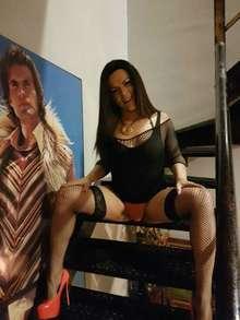 Morena morbosa y muy sexy trans karla